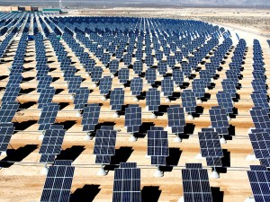 1280px-Giant_photovoltaic_array
